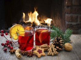 mulled-wine-by-fire.jpg